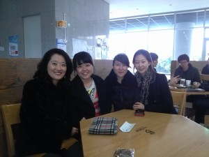 Women members with Professor Lee